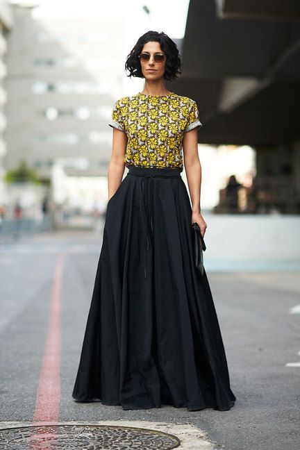 Street Chic: Paris Long Skirts. #skirt #black #maxi
