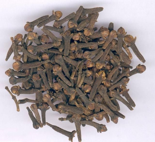 Hiccups TCM (clove warms the spleen and stomach, dispells pain due to cold, reduce gas, prevents hiccup )