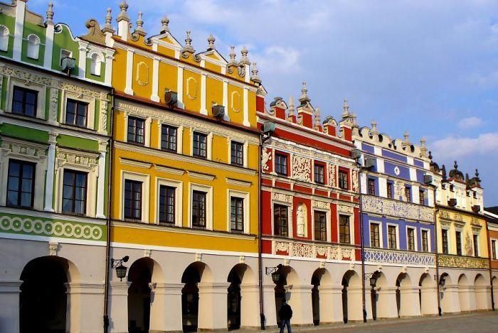 Publique os edifícios mais coloridos do mundo   – Wildly Colorful Houses ✶ Why Not?
