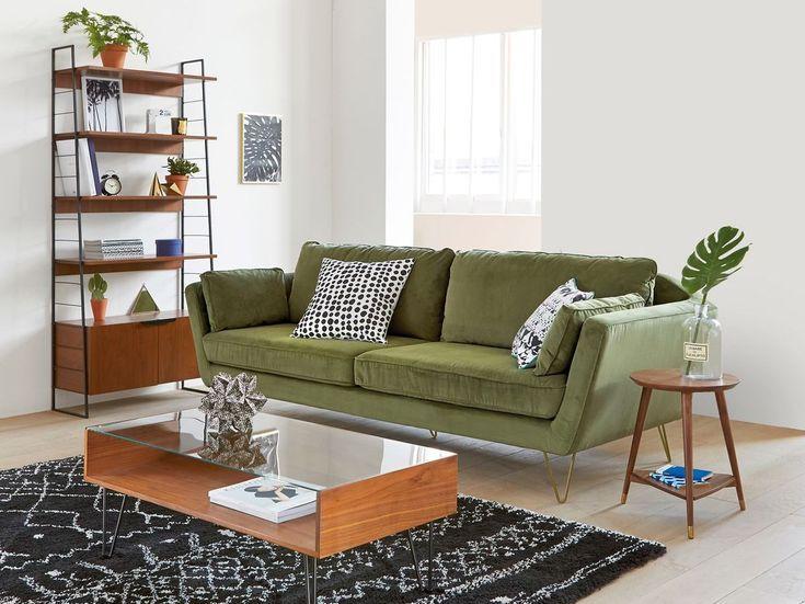 Une Touche Deco Kaki Dans Le Salon Salon Touche New Green Sofa Living Room Green Sofa Living Living Room Sofa