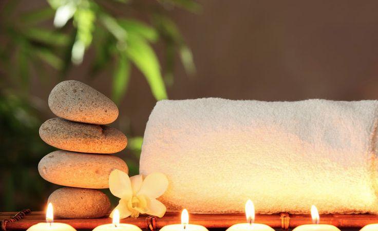 10 enkle triks som forvandler ditt baderom til et luksus-spa   Handlebad  http://handlebad.no/blogg/baderom-forvandle-til-spa/  I en verden hvor stress tar form i hvert sekund, og daglige gjøremål øker, fortjener du en kort pause for å komme deg vekk; dette kan være løsningen for deg med stramt budsjett.