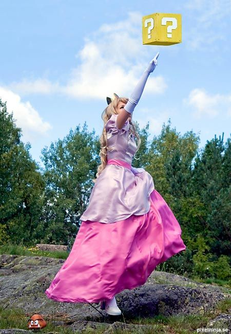 YES!: Princess Peach Cosplay Costume | Geekologie