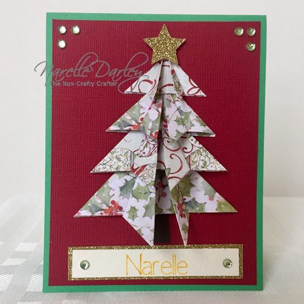 Origami style Christmas Tree place card. Free Cricut Design Space file can be found at www.facebook.com/groups/cricutexploreandmore