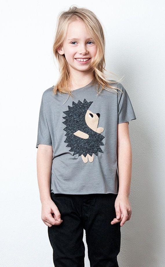 hedgehog tshirt, kids shirt, kids top, animal shirt, appliqued shirt. t-shirt for kids, unique tshirt, handmade tshirt, kids, children top