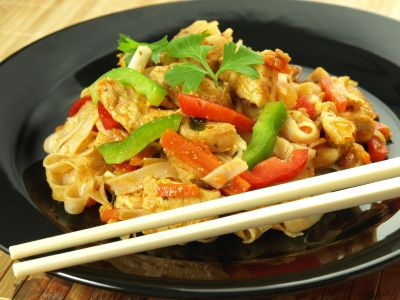 Peanut Butter and Chicken Noodles - this one looks good for a summer dinner!