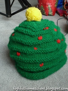 Christmas tree hat, wish I could knit
