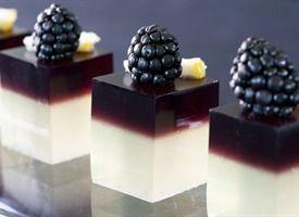 Bramble Jelly Shots: Desserts, Jelloshot, Jello Shots Recipes, Blackberries, Jell O' Shots, Cocktails, Drinks, Jello Shooter, Jelly Shots