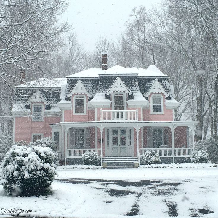Beautiful pink Victorian house with curb appeal kellyelko.com