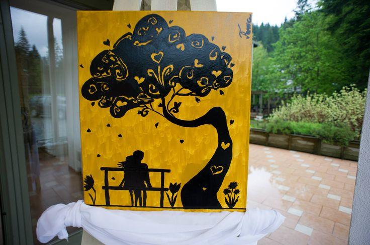 Tablou pictat in culori acrilice cu aceeasi imagine ca pe invitatii/place carduri/ meniuri: galben&negru.