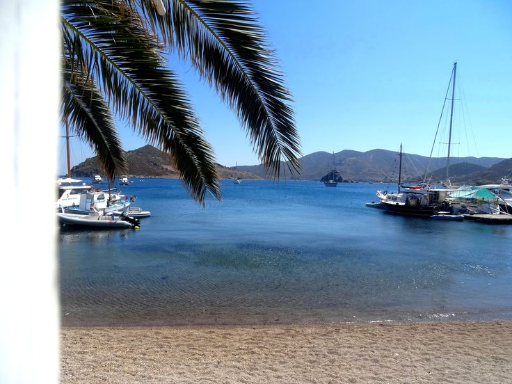 Magnificent views over the Aegean. Silver Beach offers a genuine Greek experience, in Patmos Island.  
