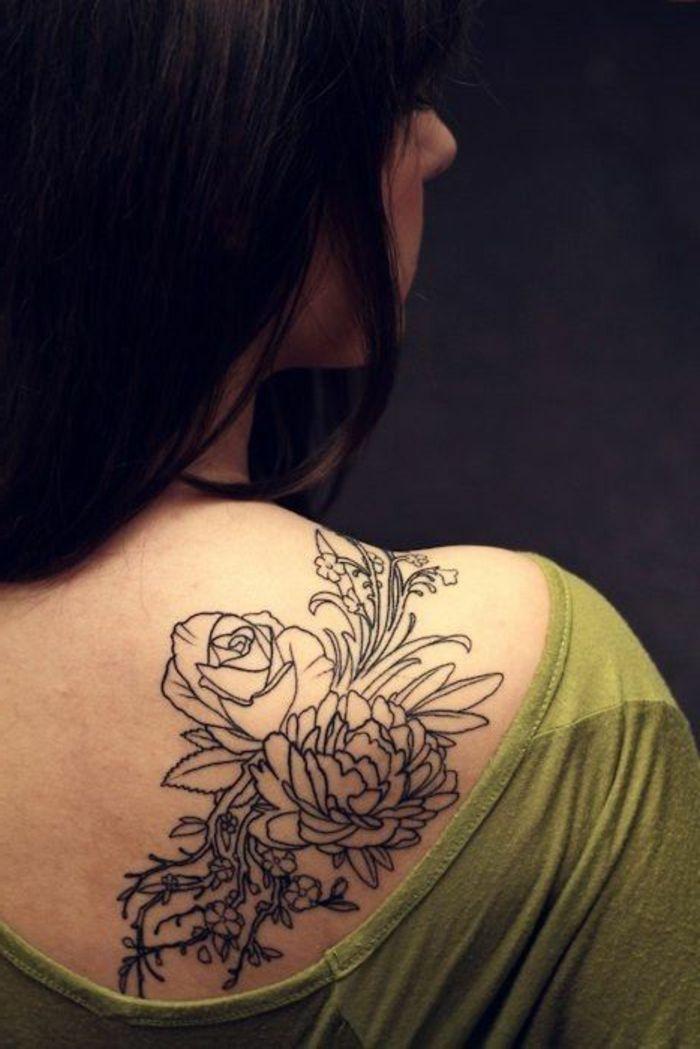 pivoine signification, bouquet avec pivoines à l'épaule, designs de tatouages originaux