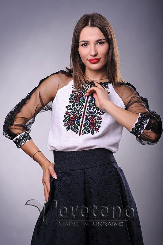 Жіноча вишита блузка in 2019  b964396e54515