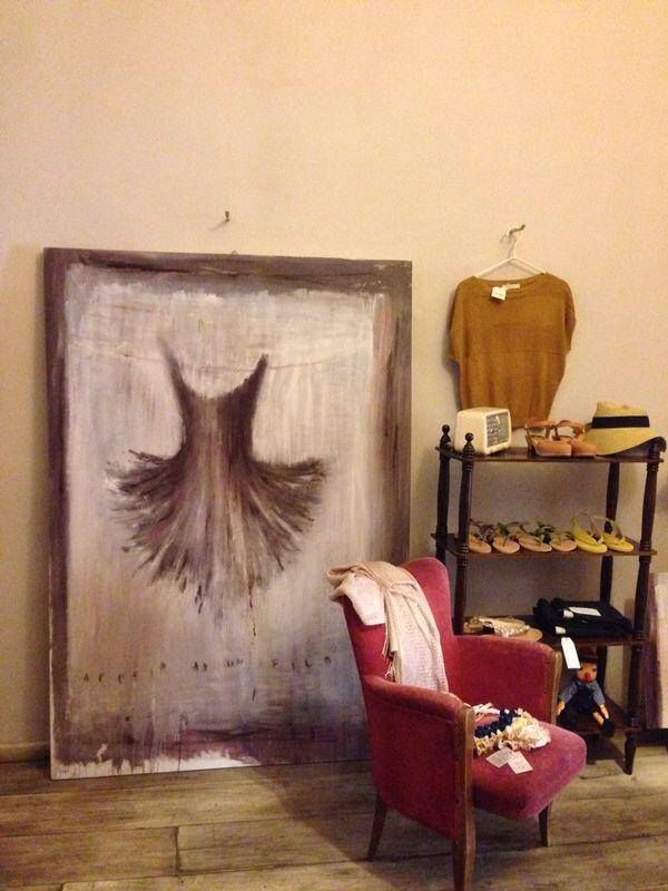"""Appesa a un filo"" Tutu dipinto a olio su tela - Painted tutu oil on canvas. Rita Pedullà a Il Cortile, Firenze"