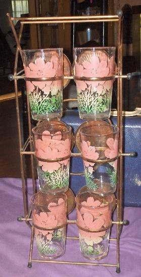 Vintage Floral Drinking Glasses in Tipsy Tim Metal Glass Holder