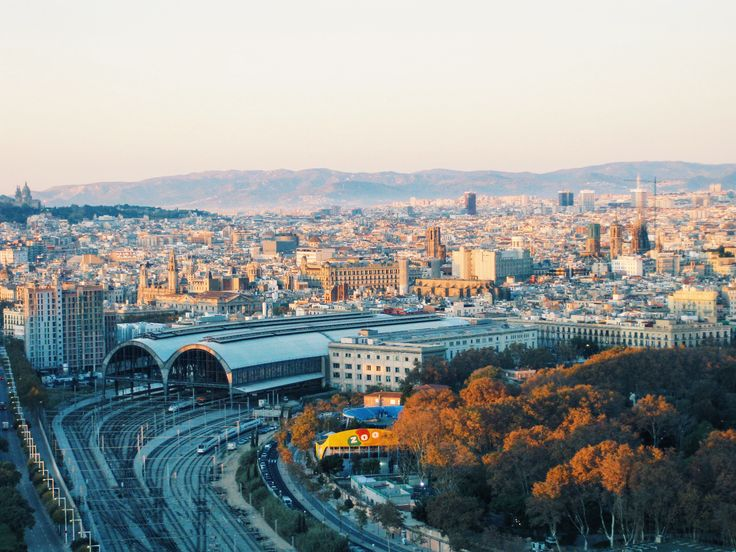 A 7 to 10 day Spain itinerary and guide. Visit and spend 10 days in Barcelona and Madrid exploring food, art Spanish culture, and nightlife in Spain.
