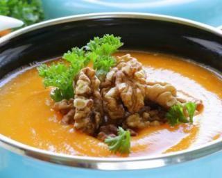 Soupe de carottes et patates douces Croq'Kilos au curcuma et gingembre…