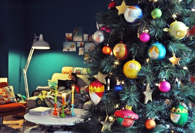 luzia pimpinella blog unser weihnachtsbaum wieder mal bunt geschm ckt decorated our. Black Bedroom Furniture Sets. Home Design Ideas