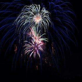 https://www.viewbug.com/challenge/fireworks-photo-challenge-by-terran