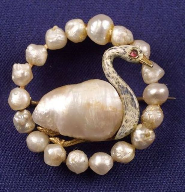 Edwardian Pearl and Enamel Circle Pin | Sale Number 2261, Lot Number 233 | Skinner Auctioneers