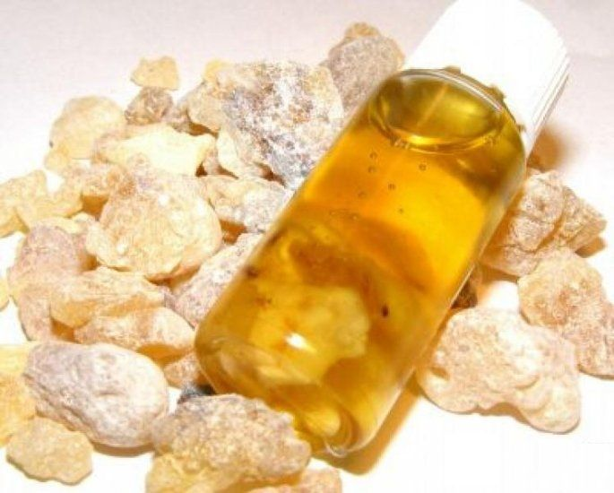 Frankincense Oil Uses and Benefits - The King Of Oils! - http://www.extremenaturalhealthnews.com/frankincense-oil-uses-and-benefits-the-king-of-oils/
