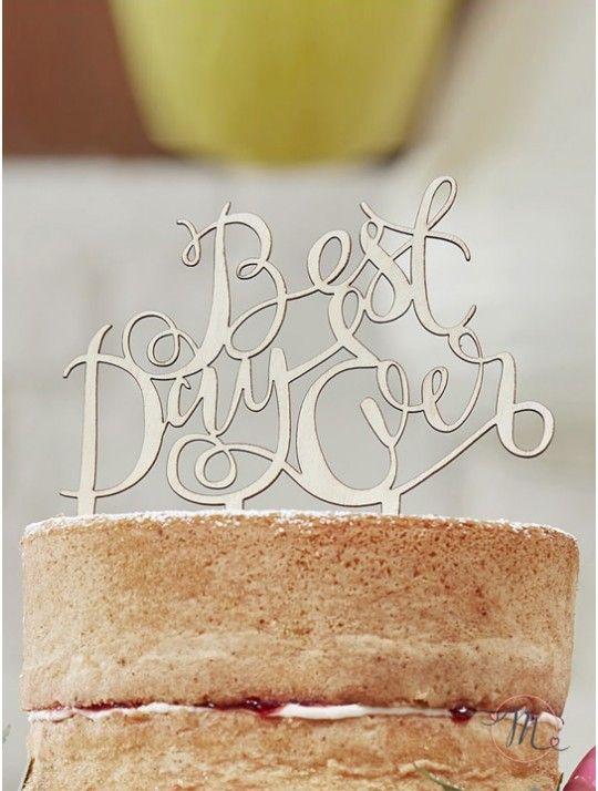 Cake topper Best day ever legno.  Perfetto per aggiungere un tocco vintage alla vostra torta nuziale.  Misure 12.5 x 14 cm. #caketopper #cake #topper #wedding #matrimonio #weddingideas #ideasforwedding #figurastartanuptcial #hochzeitcaketopper #weddingday