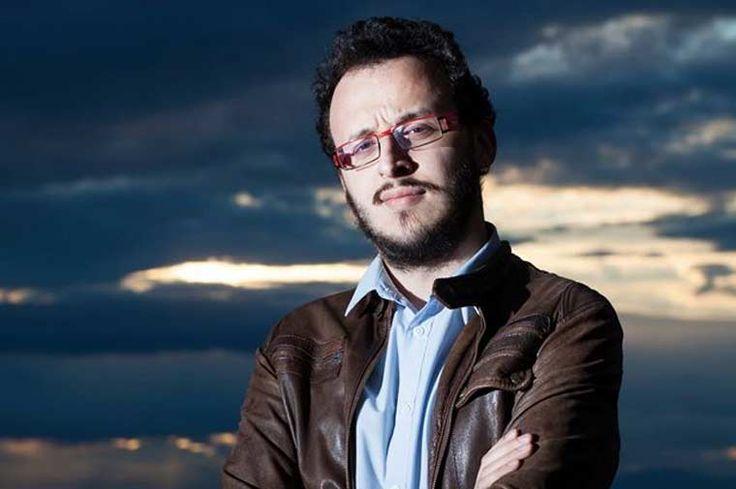 Σε αυτή την εκπομπή των αιρετικών μαθημάτων, o οικοδεσπότης και συνεργάτης του Bookia, Τάσος Αγγελίδης Γκέντζος, συνομιλεί με το δημοσιογράφο Ευθύμιο Σαββάκη.