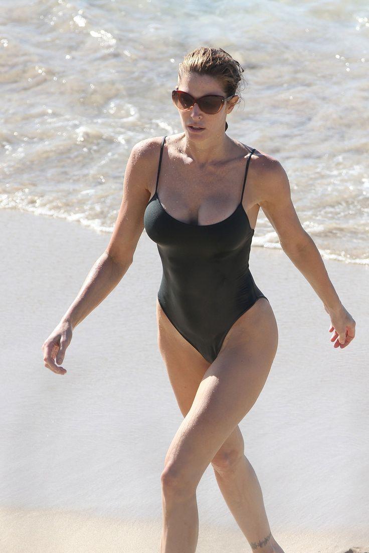 Linda o neil bikini supermodel