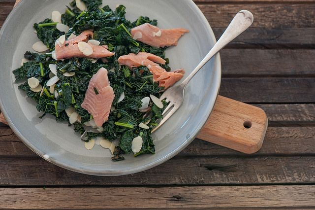 Lemony Kale with Smoked Trout & Almonds! Delicious weeknight dinners for food lovers. #simple #healthy #quick #delicious
