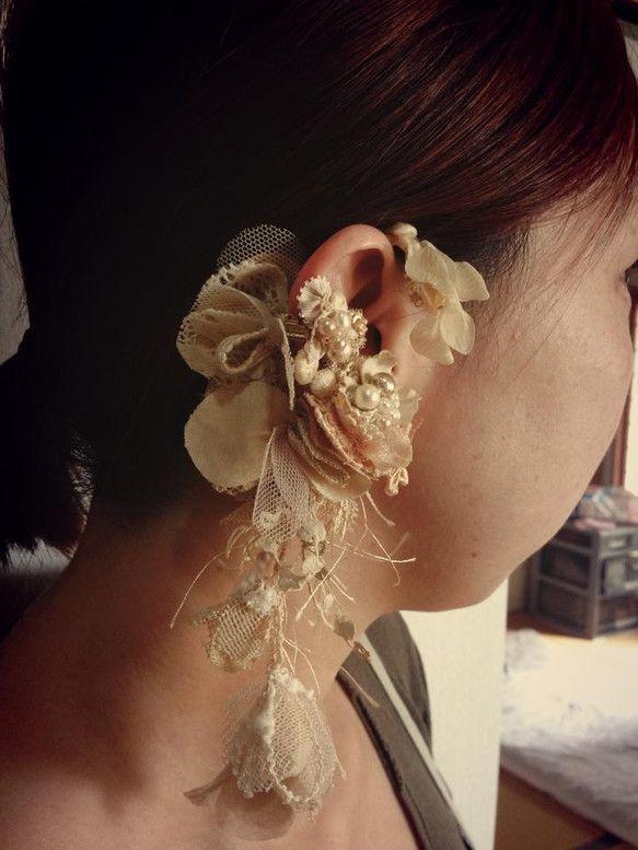 花嫁さまからオーダー。イヤーフック&イヤーカフの2way仕立て。アンティーク感たっぷりのドレスに合わされるみたいです(^ ^)|ハンドメイド、手作り、手仕事品の通販・販売・購入ならCreema。