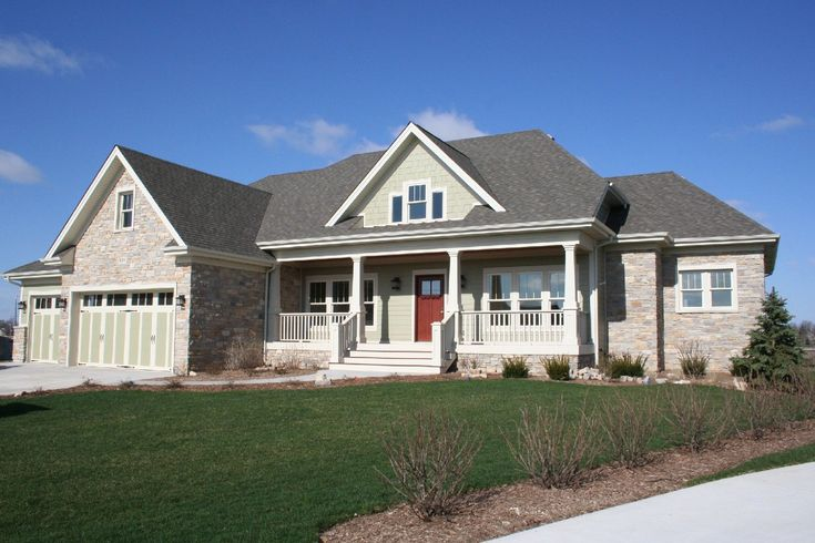 Craftsman Style Homes Is Perfect For A Farmhouse Ideas: Grass Front Yard With White Steps And White Railing Plus Glass Window For Craftsman Style Homes Exterior Design Ideas