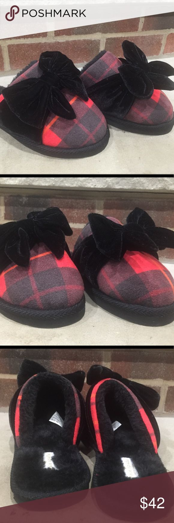 """Kate Spade NY Britney Plaid Slipper Faux Fur w Bow Kate Spade """"Britney"""" slipper  🔹Plaid top w/ round toe 🔹Faux fur lining 🔹Bow detail on top 🎀 🔹Kate Spade branding tag on heel  Brand new. Let us know if you have any questions. Thank you. kate spade Shoes Slippers"""