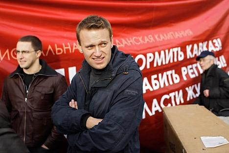 El blogger anticorrupción Alexéi Navalni ha llevado sus conocimientos prácticos de abogado a los colegios electorales para lanzar su último proyecto, RosVibori, con el que pretende reclutar observadores para las elecciones presidenciales del 4 de marzo.
