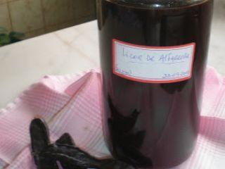 Licor de Alfarroba