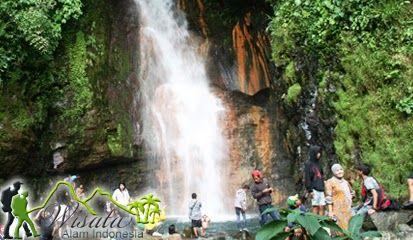 Di Objek Wisata Air Terjun Cigamea Bogor tersedia tempat-tempat peristirahatan, selain untuk melepas lelah juga untuk menikmati pemandangan curug