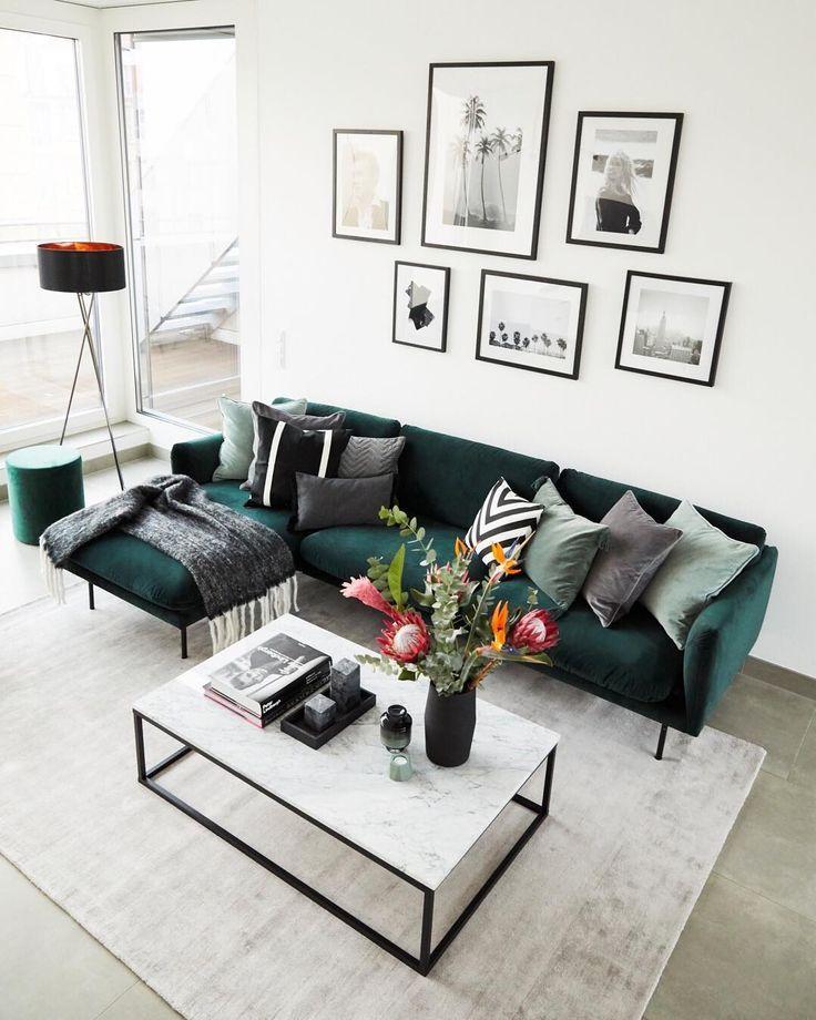 """Westwing auf Instagram: """"Das große Samtsofa im neu eingerichteten Wohnzimmer"""
