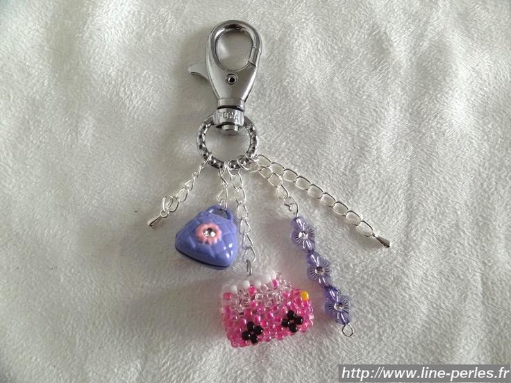 *** Bijou de sac camion rose *** 100% fait main *** http://www.line-perles.fr/catalog/product_info.php?cPath=89_124_id=667