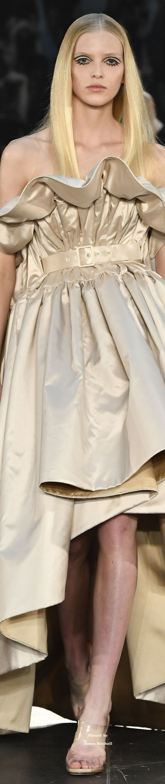 DesertRose,;,Alexis Mabille Collection Fall 2016 Couture,;,