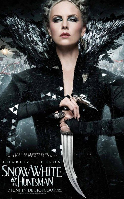 Snow White and The Huntsman!: Movie Posters, Charlize Theron, Picture-Black Posters, The Queen, Good Movie, Kristen Stewart, Costumes Design, Evil Queen, Snow White