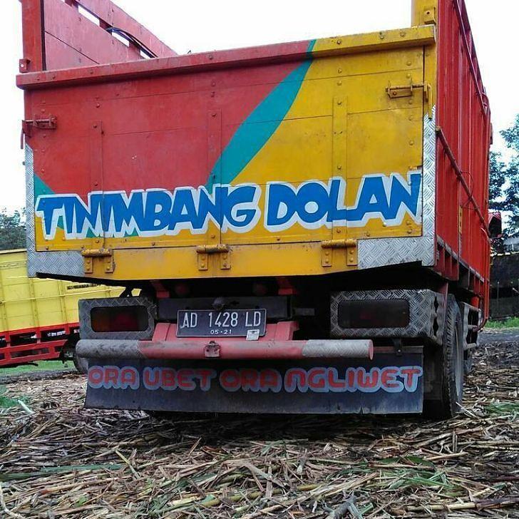 Tinimbang Dolan: ora ubet ora ngliwet. Foto: @joyo_aja  #plat_AD #baktruk #magelang #jogja #kutoarjo #solo #surakarta #visualjalan #boyolali #salatiga #yogya #sleman #klaten