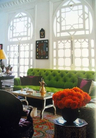 windows + green tufted sofa: Interior Design, Green Sofa, Decor, Living Rooms, Idea, Green Couches, Color, Livingroom, Windows