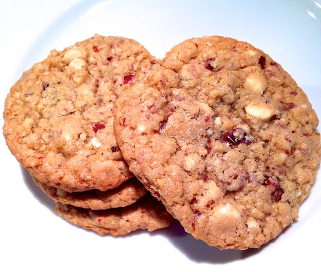 Cranberry Oatmeal White Chocolate Chip Cookies | The Perfect Holiday Cookie