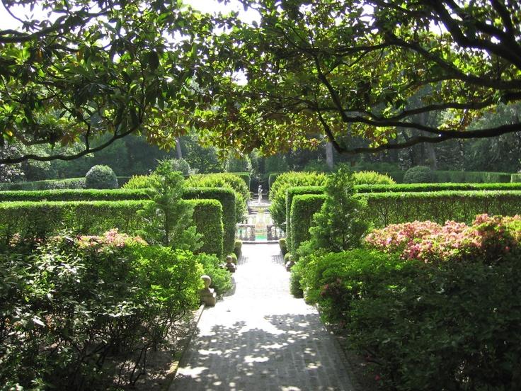 Elizabethan gardens manteo nc through the garden gate for Outer garden