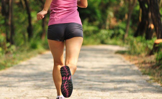O educador físico Dilson Bortolanza explica como os exercícios aeróbicos ajudam a queimar calorias e perder peso de uma forma saudável.