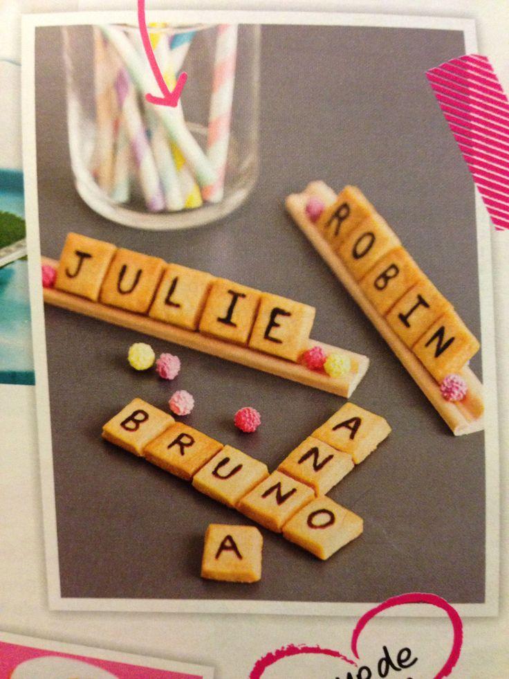 Marque place gourmand : le Scrabble en petits sablés!