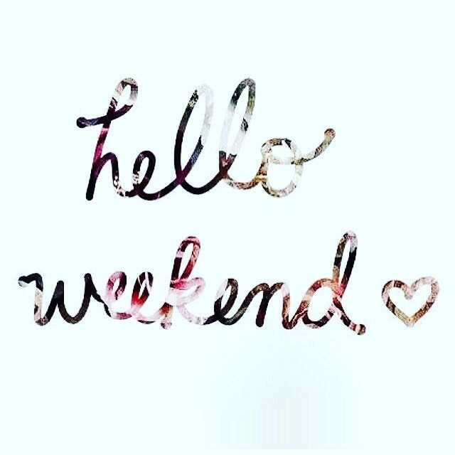 Happy Friday night everyone! Hope your day was fantastic! Looking forward to my first relaxing weekend of the new year! Hope to see you all Sunday night at our weekly sale! Click the link in our bio if you're not part of our group! #lularoe #lularoeangelaandchristina #fridaynight #fantasticday #helloweekend #seeyousunday #weeklysale #joinourgroup #❤