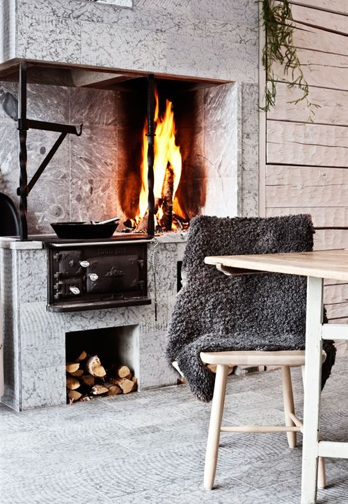 myidealhome:  winter beauty (via Cozy Cottage in the Forest | 79 Ideas)
