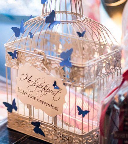 Kartenmanufaktur Arndt, besondere HOCHZEIT EINLADUNGEN, moderne Einladungsskarten mit Schmetterlinge oder im Vintage - Style mit Spitze passende Tischpläne, Menükarten, Gästebücher,Save the date und Dankeskarten auch für Hochzeit und Taufe