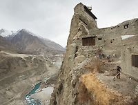 The evolution of Diet. The lifestyle and food habits of a mountain community located in the Karakoram mountains of North Pakistan. Subsistence agriculture and livestock raising dominate the local economy. | Matthieu Paley