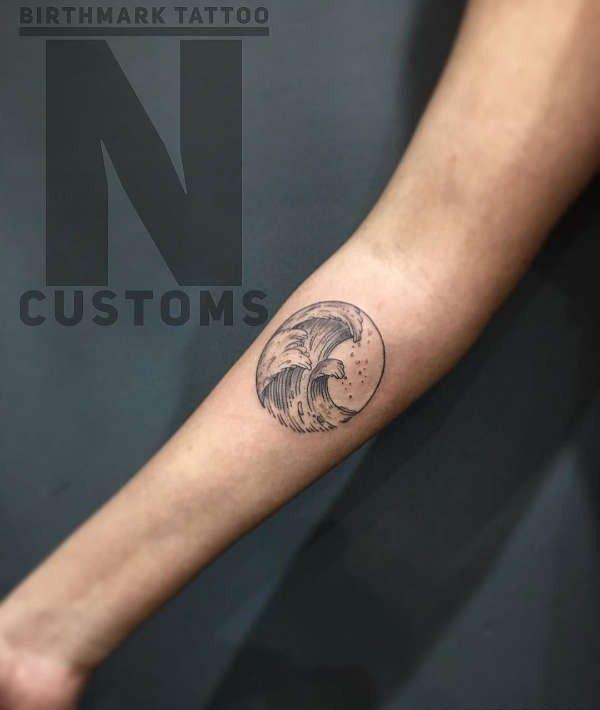 Tatuaż Fala Znaczenie Historia 40 Zdjęć Pomysł Na