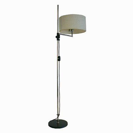 Unique Stehlampe mit Verstellbarem Lampenschirm von Hillebrand er Jetzt bestellen unter